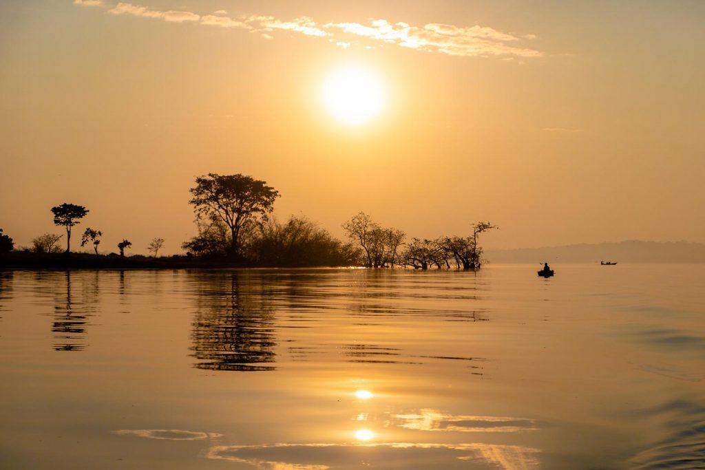 Know the best time to plan a Uganda trip. Uganda language words for traveler