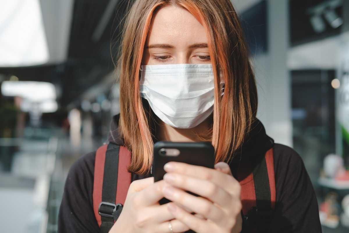 Keep your mask on when travellin in Uganda. Coronavirus (Covid-19) travel health advisory.