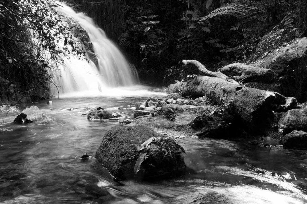 Munyanga waterfall trail